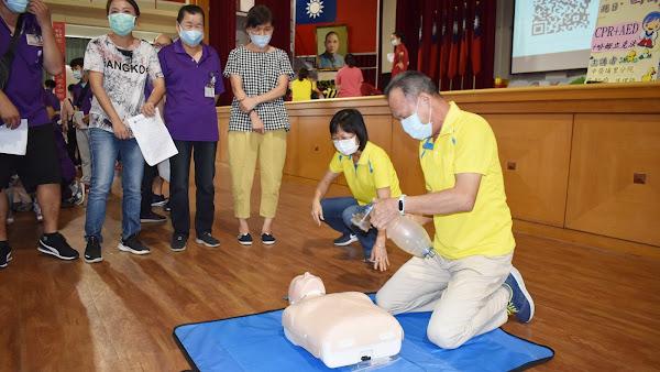 中彰榮家CPR和AED教育訓練 提升住民照護品質