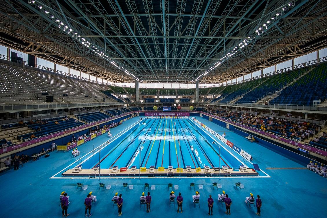 Piscina ol mpica aprovada calor placar e cobertura da for Diseno grafico de piscina olimpica