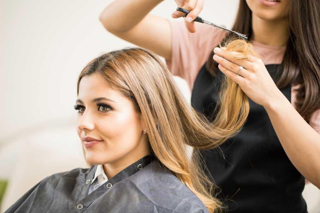 mengatasi kerontokan rambut setelah melahirkan normal