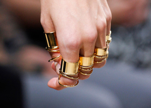 Fashion Trends - Knuckle Rings / Midi Rings
