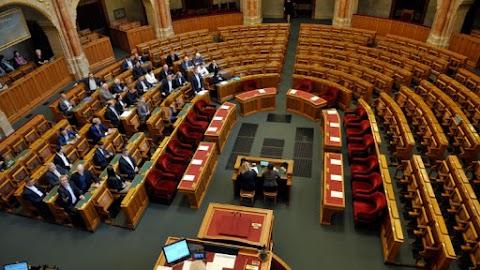 Szerdára hívták össze az ellenzéki kezdeményezésű rendkívüli ülést