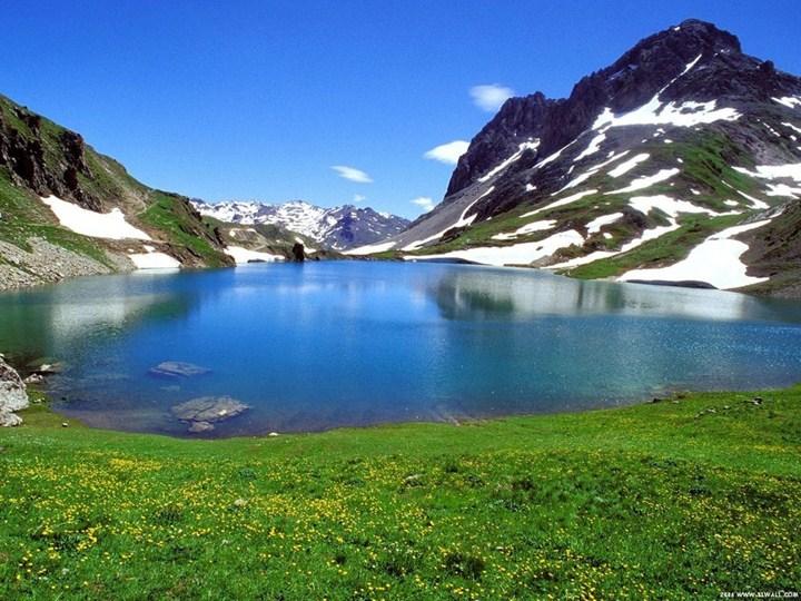 dağların ve göllerin manzara resimleri