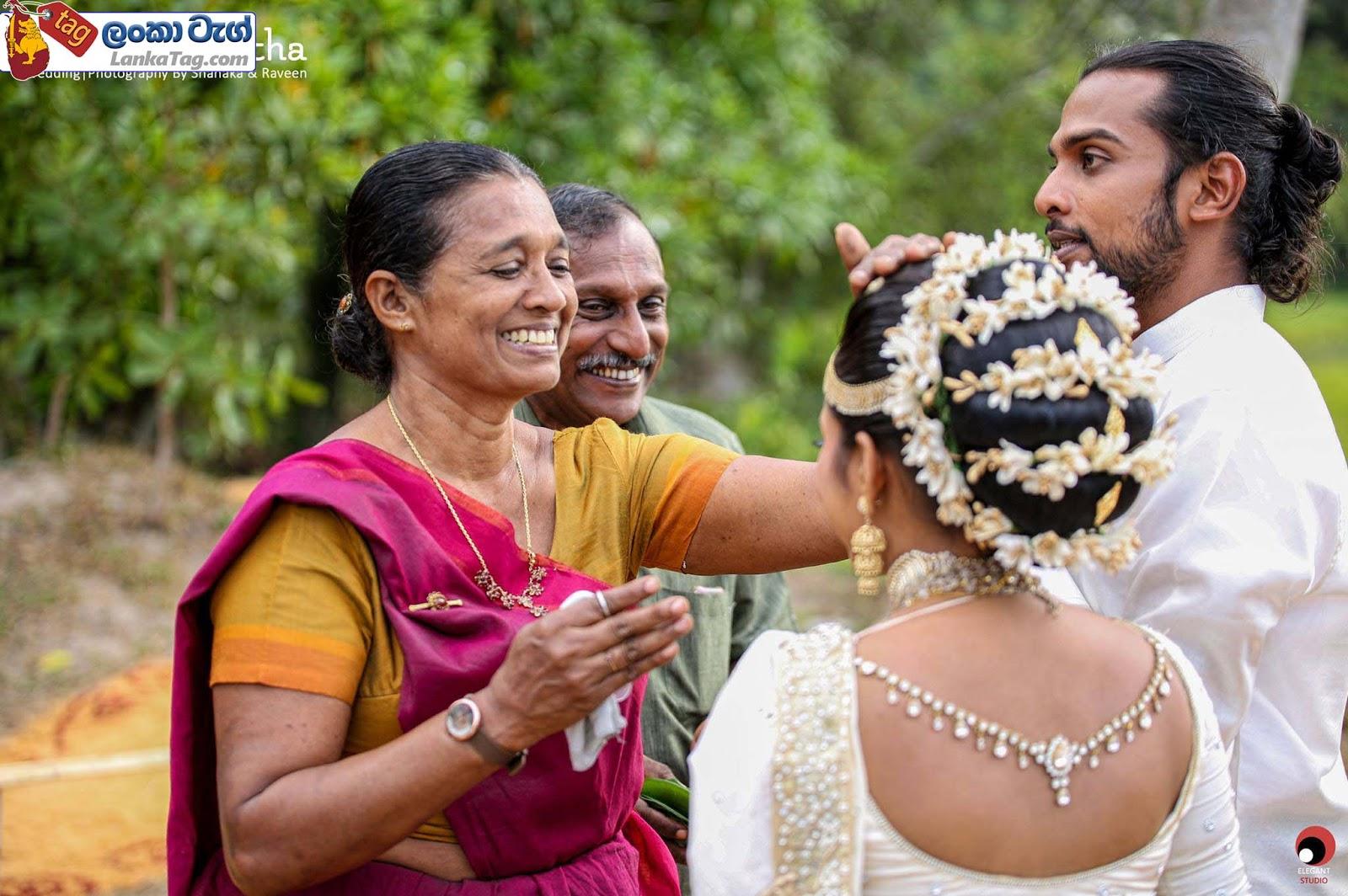 sri lankan wedding dress  16