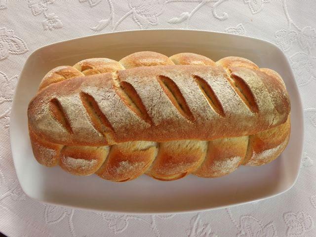 Osterbrot - ein köstliches Brot österlich geflochten
