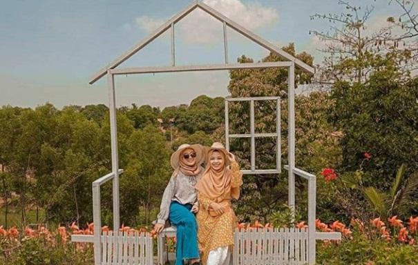 marigold garden karawang, tiket masuk marigold garden karawang, taman kincir angin karawang, taman bunga tamelang karawang, tiket masuk taman kincir angin