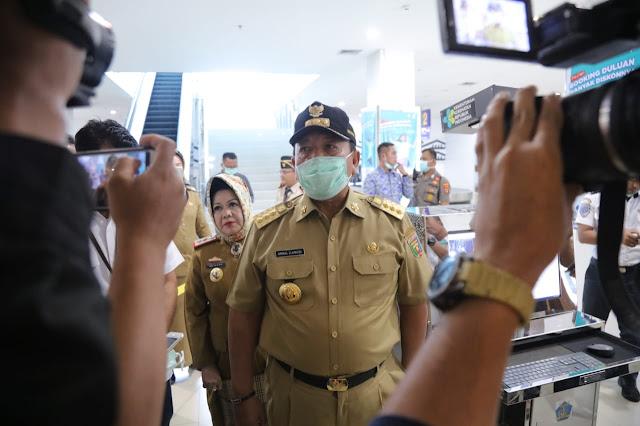 Tiga langkah antisipasi itu, yaitu pertama penumpang yang berasal dari Bandara Raden intan II, kemudian penumpang di Pelabuhan Bakauheni, dan juga kesiapan di Rumah Sakit Umum Daerah (RSUD) Abdul Moeloek.