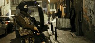 حملة أمنية واسعة في تركيا وإيقاف 100 شخص بتهمة الانتماء لداعش(فيديو)