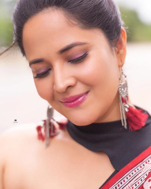 Anasuya Bharadwaj Hottest Saree Photos New Actress Trend