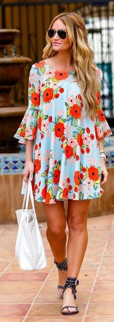 Vestido floral colorido