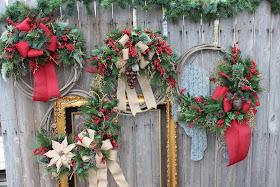 Christmas lasso wreath