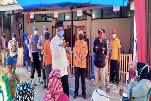 Pembagian Blt Di Kantor Pos Picu Kerumunan Wali Kota Padang Meradang Sumbar Raya