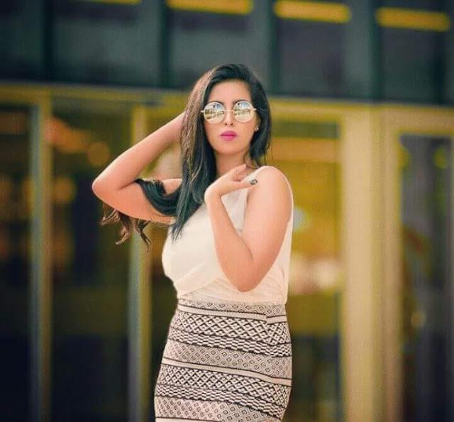 """اليمنية """"أريج أسيد"""" تدخل عالم الغناء بأغنية """"أمشى حافيه"""""""