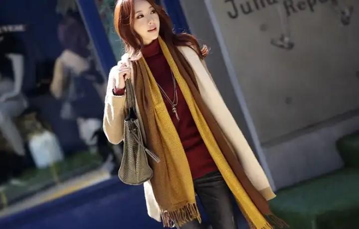 Chọn khăn quàng cổ đẹp phù hợp với vóc dáng trang phục và màu sắc tươi sáng