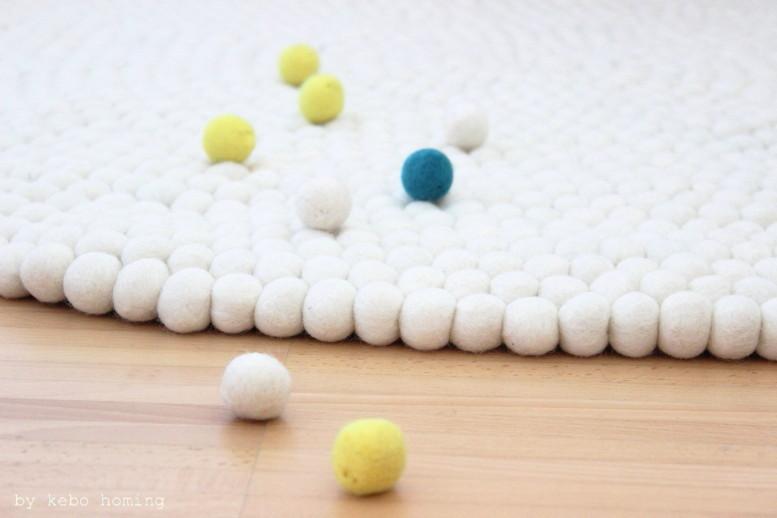 Ein neuer Teppich aus Filzkugeln... bei kebo homing, Südtiroler Lifestyleblog, Styling und Fotografie