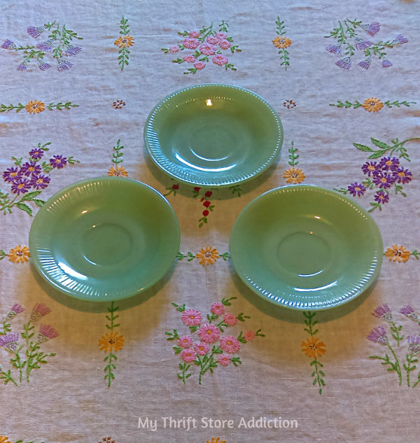 Friday's Find #141 mythriftstoreaddiction.blogspot.com Vintage jadeite, Jane Ray saucers scored half price at an estate sale!