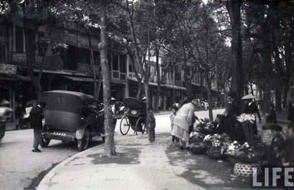 Đường Hàng Khay - Đinh Tiên Hoàng