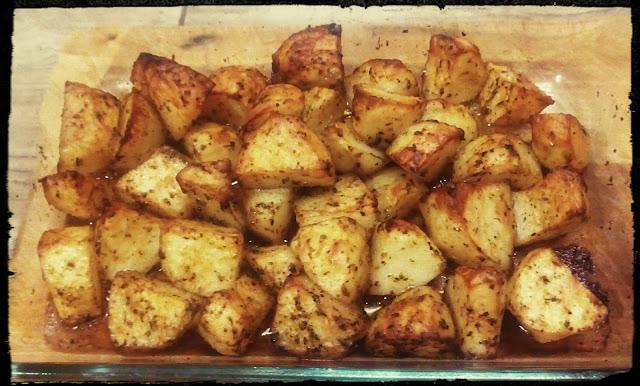 Ziemniaki ziemniaczki pieczone opiekane cwiartki ziemniakow z piekarnika
