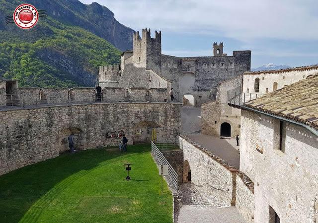 Castillo di Beseno, Dolomitas, Italia