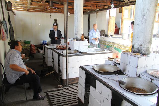 Tadjikistan, Khodjent, Proletar, Gulakandoz, chaïkhana, rue Davron Samatov, © L. Gigout, 2012