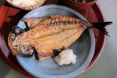kuliner khas buton ikan asin bakar