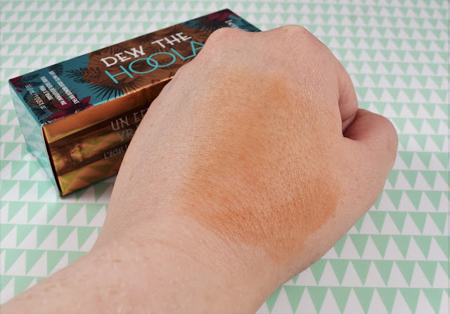 Benefit Dew The Hoola Swatch
