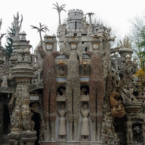 drôme hauterives palais idéal facteur cheval façade est trois géants