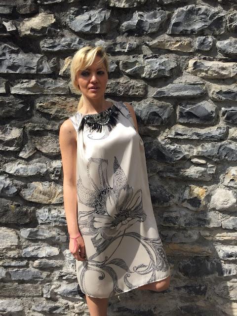 abito gloria bellacchio cosa indossare ad una cerimonia abito stampato outfit estivo outfit elegante mariafelicia magno fashion blogger colorblock by felym fashion blogger italiane ragazze bionde
