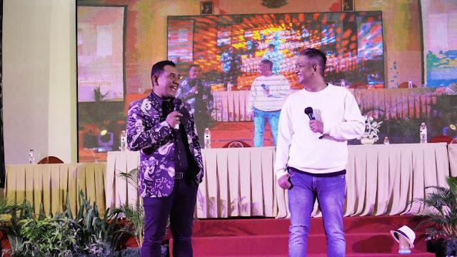 AM. Kuncoro dan Rulli Aryanto saat sampaikan kata sambutan di acara Press Conference OST Web Series Mimi Mintuno Tresno pada Minggu, 30 Mei 2021 di Yogyakarta. (Dok. Istimewa)