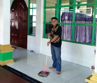 Iriyan Asuransi Wakaf