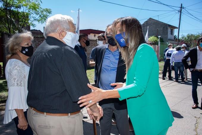 Malena Galmarini y Alberto Descalzo inauguraron una red de agua potable que beneficia a más de 12.000 vecinos y vecinas de Ituzaingó