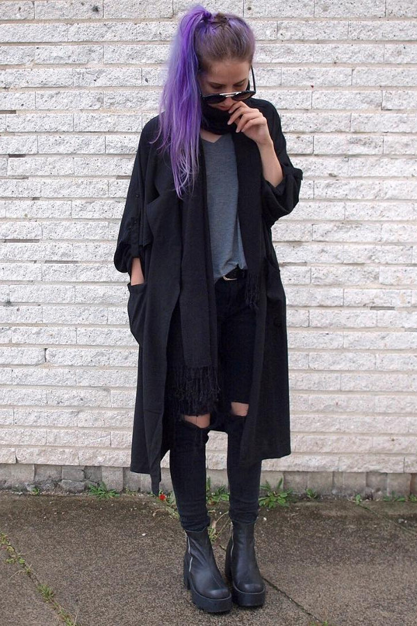 Winter hippie girl wearing all black outfit