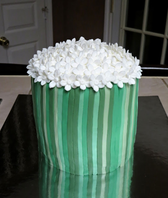 Bouquet of White Flowers Cake - Large