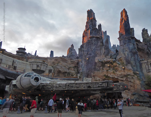 Millenium Falcon at STAR WARS: Galaxy's Edge  - Walt Disney World Black Spire Outpost Batuu