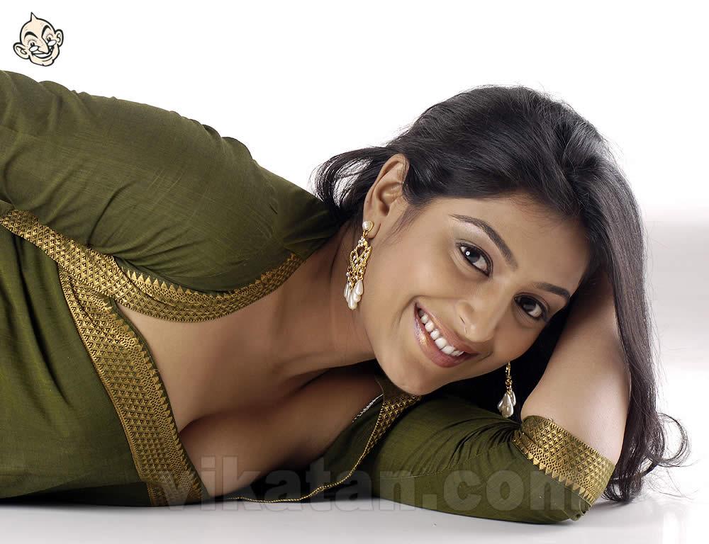 South Indian Actress Boobs Show