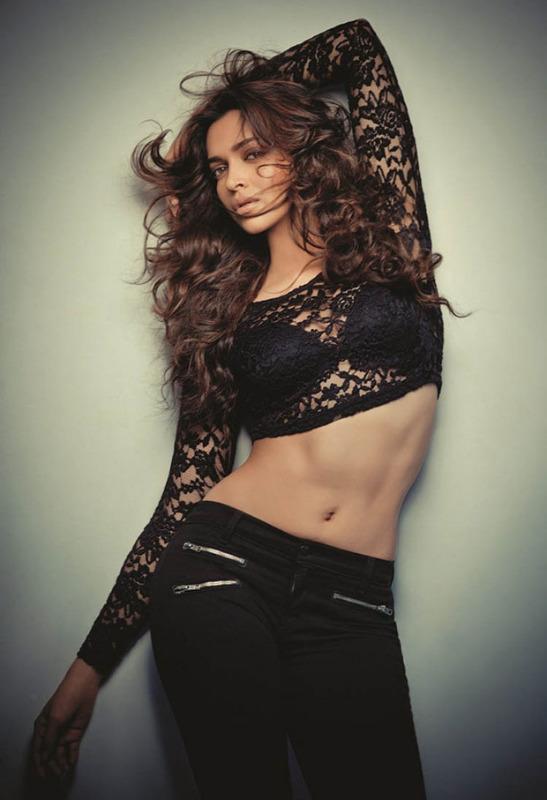 Deepika Padukone Navel Show PhotoShoot In Black Dress