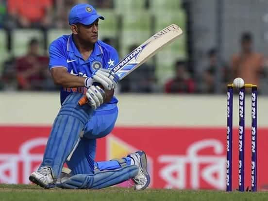 महेंद्र सिंह धोनी ने लिया अंतरराष्ट्रीय क्रिकेट से संन्यास-अपनी कप्तानी में रचे कई इतिहास