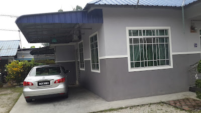 Ruang Parking Homestay di Parit Raja