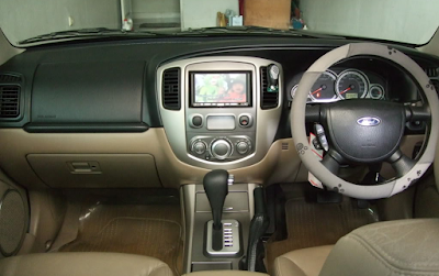 Interior Ford Escape Facelift Pertama