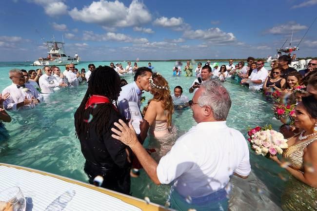 Um casamento no meio do mar. Diferente de tudo que você já viu.