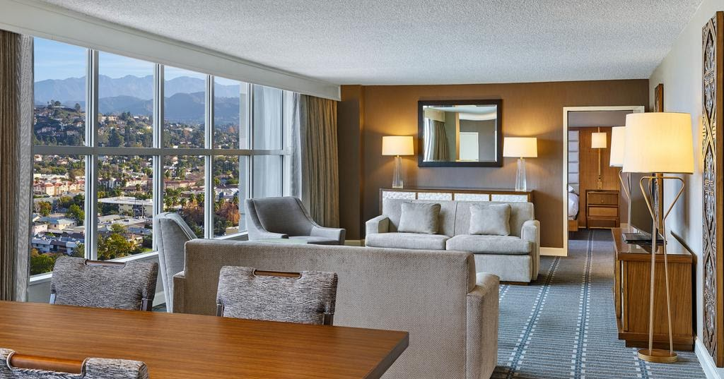 Hilton Los Angeles North Glendale Travelhoteltours Vacation Packages Flight And Hotel