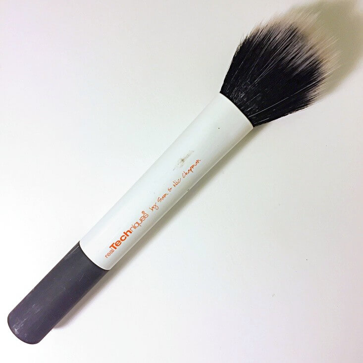Real Techniques duo-fiber face brush