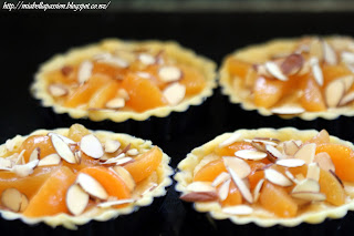 Almond Apricot Dessert tarts