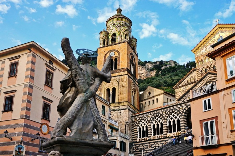Город Амальфи и собор
