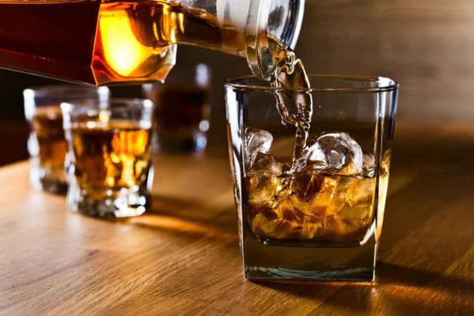 beza arak dan alkohol