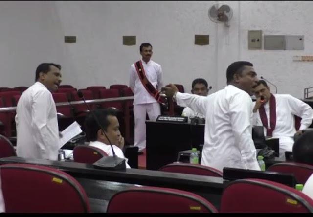 மீண்டும் தமிழ் சிங்கள மொழி மோதல்