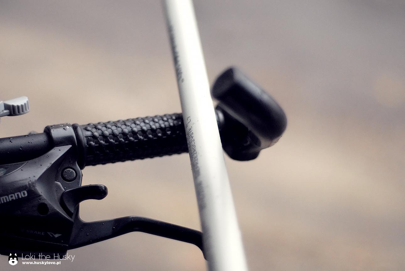 Rurka PCV i kierownica roweru
