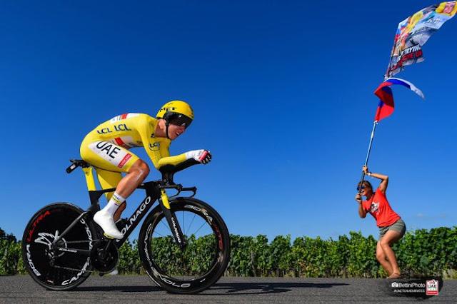 Tadej Pogacar é o mais jovem a vencer o Tour de France duas vezes seguidas