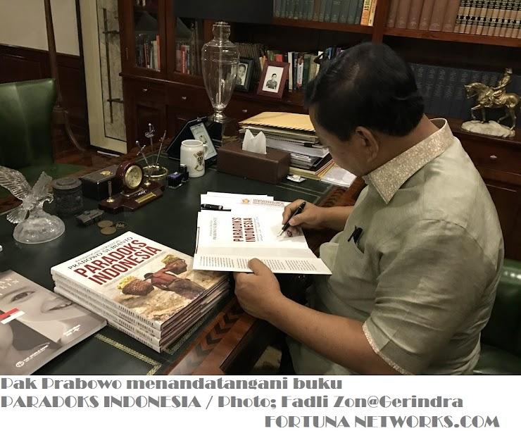 #Prabowo Subianto Kritik Ironi Bangsa,Via Buku 'Paradoks Indonesia'