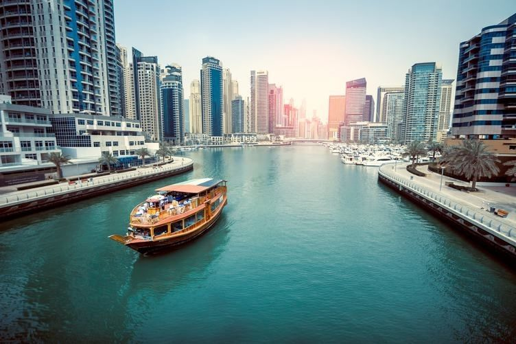 Mercado de iates em Dubai promove 'Distanciamento de luxo'