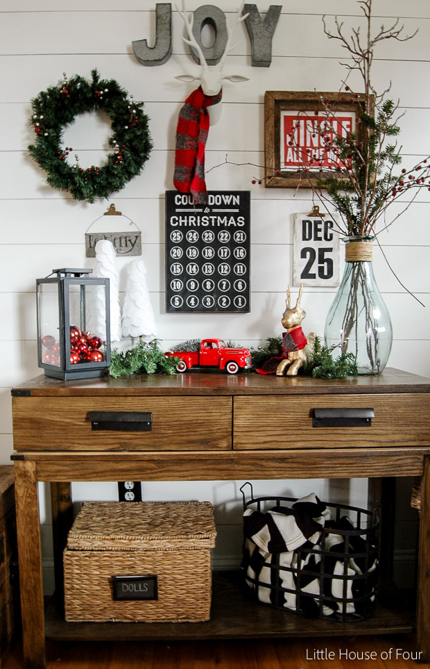 Thrifty ideas for holiday decorating on a budget- Little House of Four.